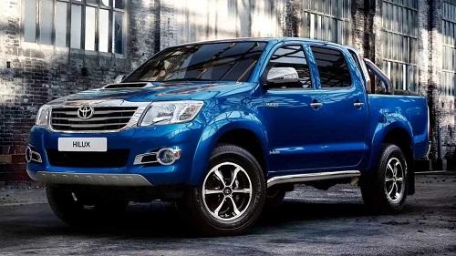 [Hình: Toyota-Hilux-dang-cap-la-mai-mai.jpg]