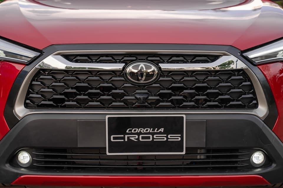 Toyota-cross-5
