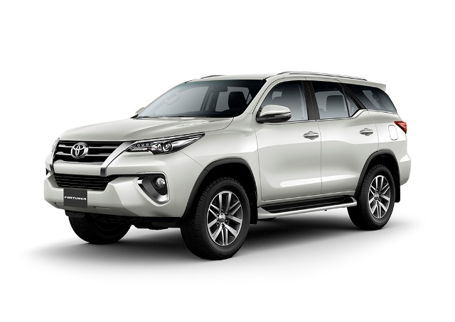 toyota-fortuner-2018-trang